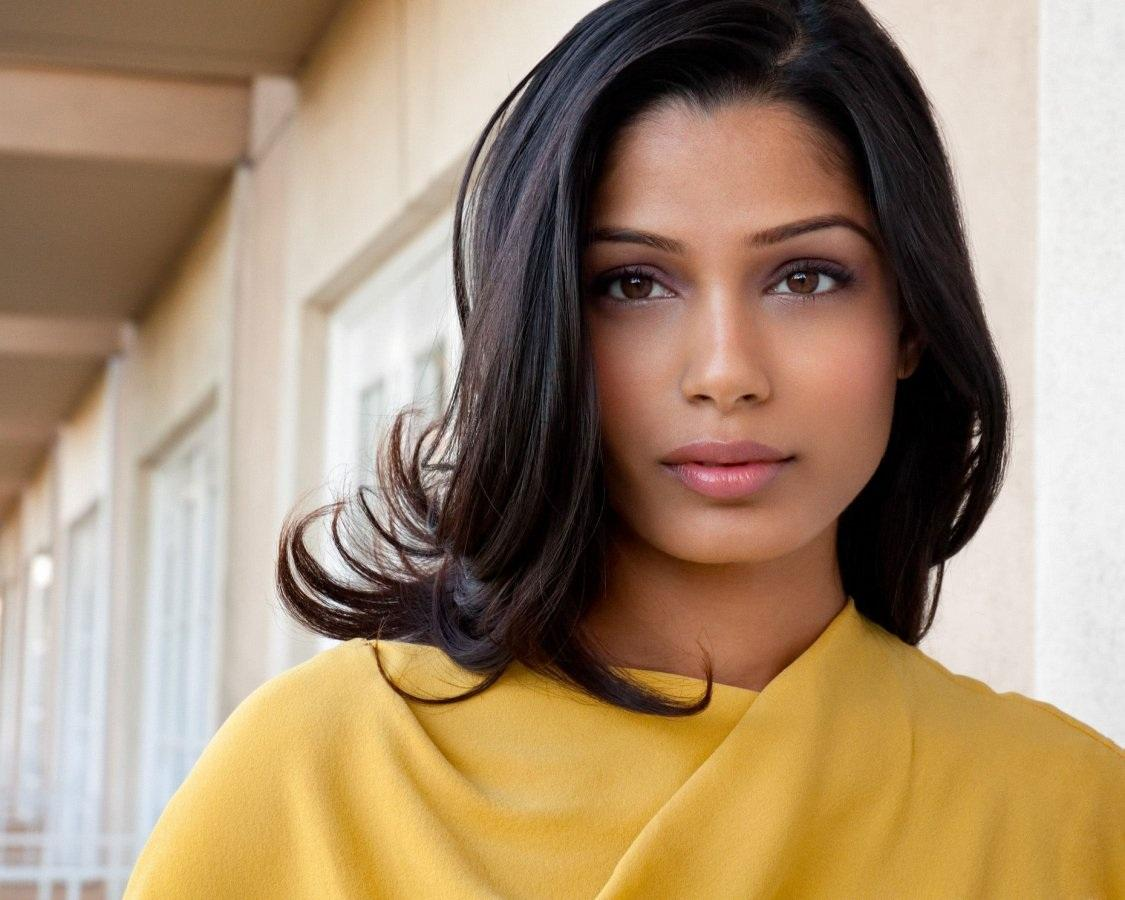 Freida Pinto Is Speaki...